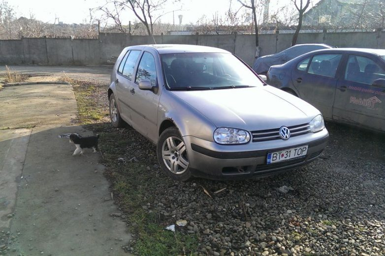 Autoturism Volkswagen Golf – BT-31-TOP